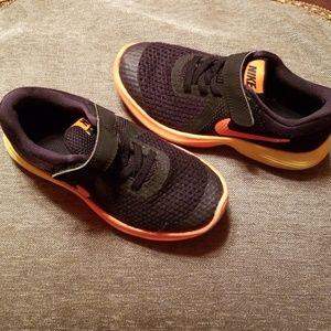 Nike Shoes - Nike shoes Size 11.5C